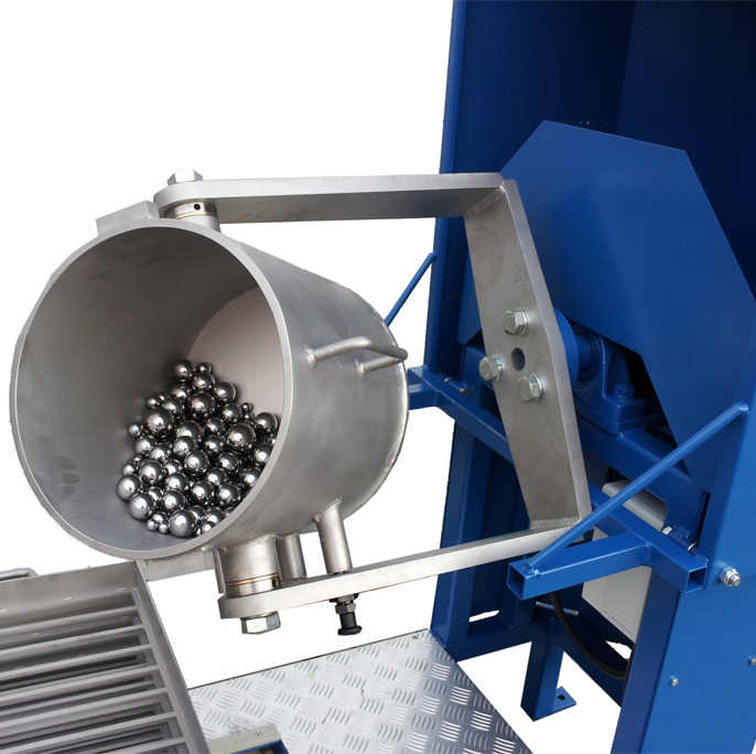 ball and rod mill drum with grinding balls