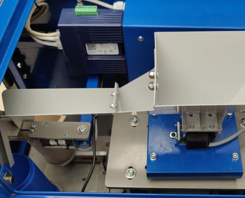 micro sampler feeder